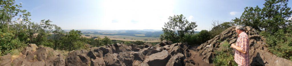 Panorama ze szczytu Ostrzycy
