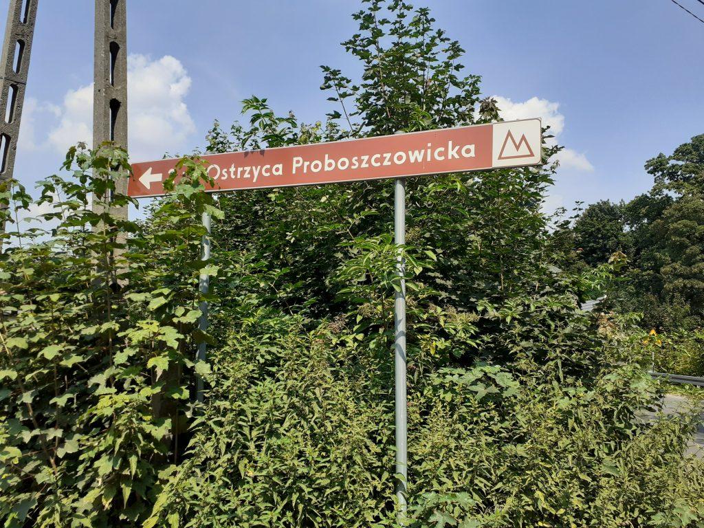 Drogowskaz w Proboszczowicach