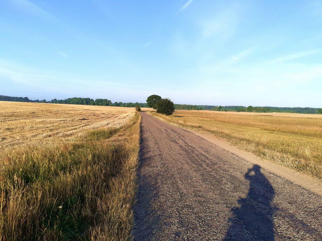 Droga w kierunku Kiełpina